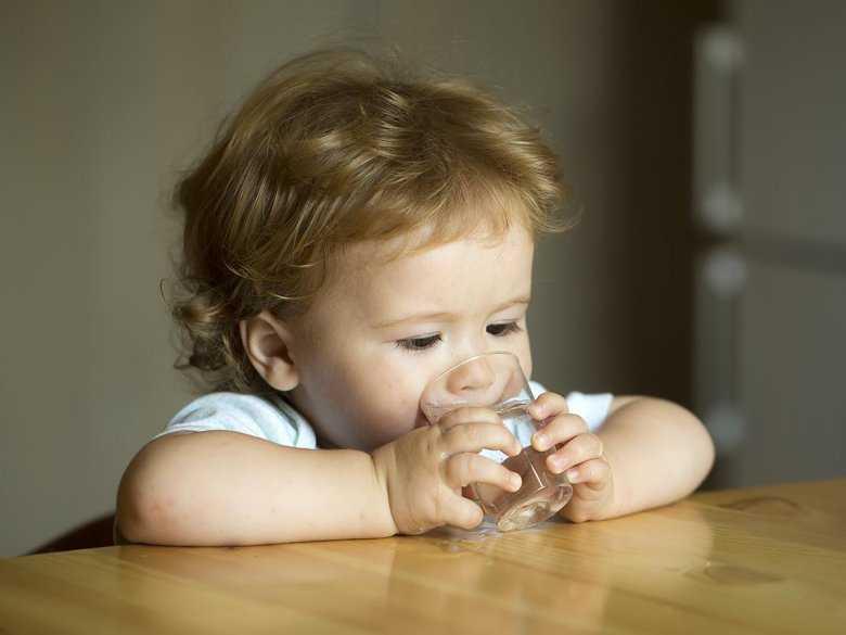 Woda w diecie dziecka