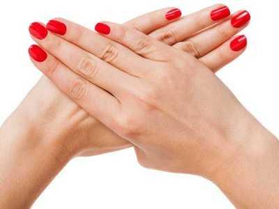 Czy manicure hybrydowy niszczy płytkę paznokciową?