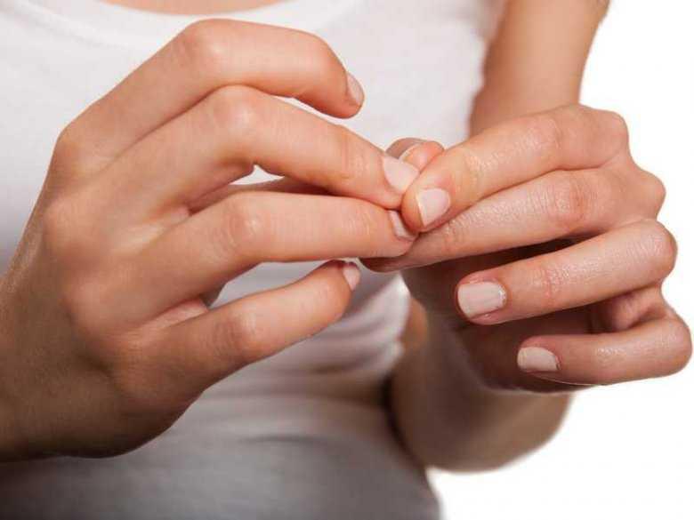 Łamliwe paznokcie – dlaczego je mamy i jak sobie z nimi radzić