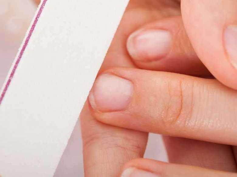 Zmiany płytki paznokcia a grzybica - przyczyny i objawy