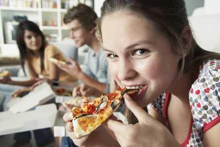 Jedzenie czerwonego mięsa zwiększa ryzyko umieralności w chorobach sercowo naczyniowych i nowotworowych