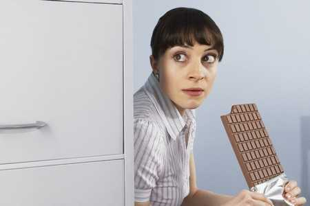 Krótki spacer zmniejsza spożycie czekolady o połowę