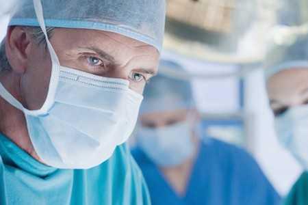 Rak jednej piersi - czy należy usunąć obie?