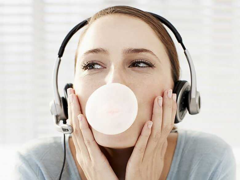 Praca na słuchawkach