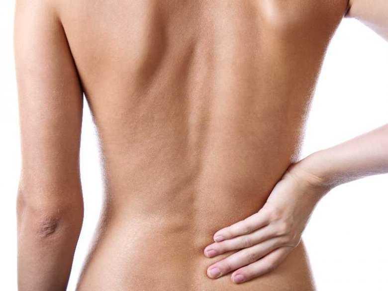 Ból pleców może być objawem perforacji przewodu pokarmowego