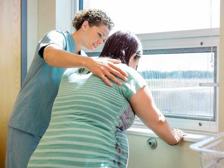 Progesteron a ryzyko porodu przedwczesnego w ciąży bliźniaczej