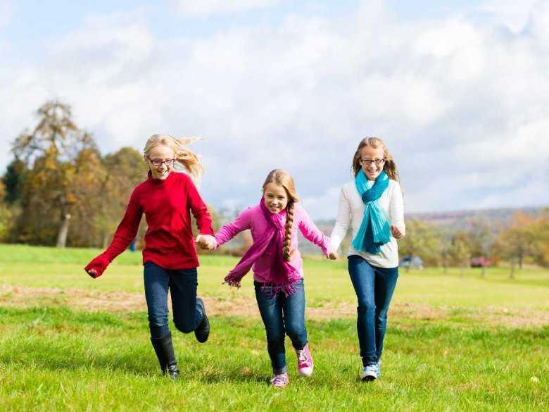 Biegające dzieci