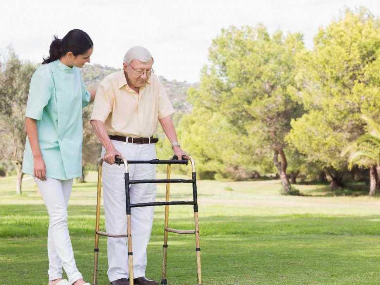 Choroba Parkinsona - definicja choroby, kto na nią choruje, w jakim wieku