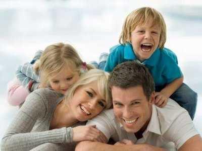 Jak tworzą się pierwsze relacje pomiędzy dzieckiem a rodzicami?