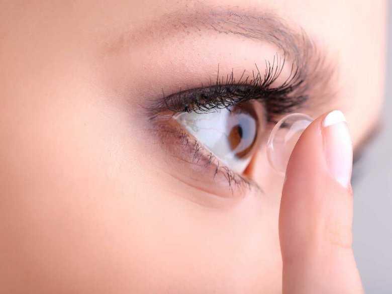 Jak prawidłowo korzystać z soczewek kontaktowych?