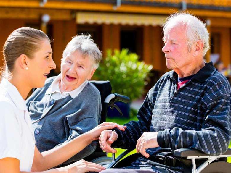 Problemy z chodzeniem i równowagą jako objawy wczesnej choroby Alzheimera