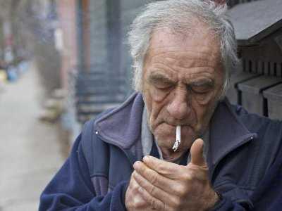 Palenie może prowadzić do ślepoty
