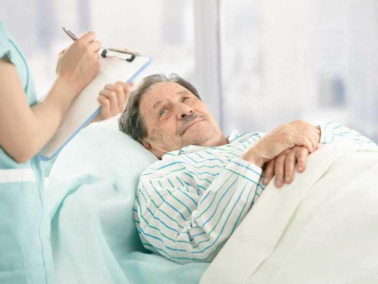 Mężczyzna w szpitalu