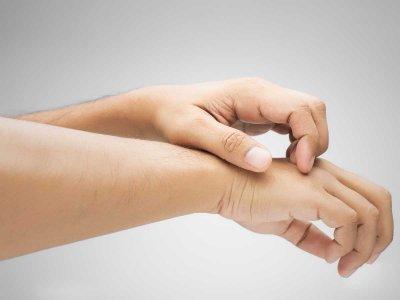Z jakimi objawami alergii kontaktowej trzeba zgłosić się do lekarza?