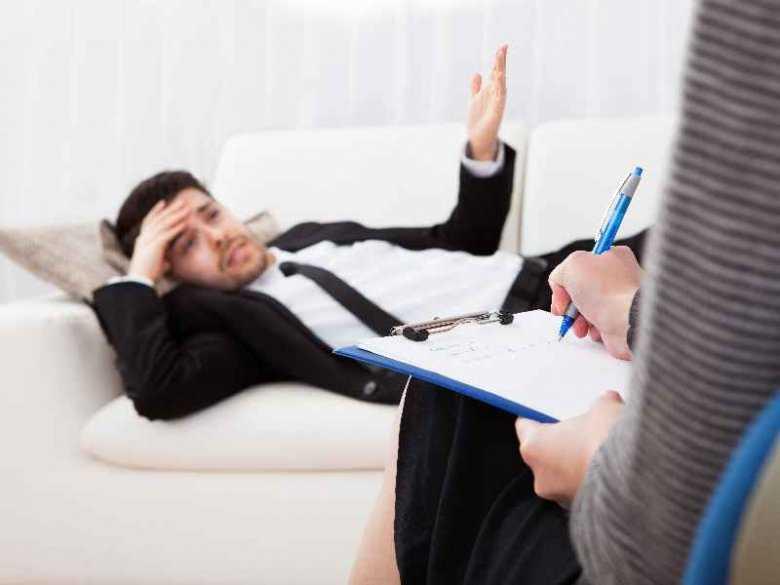 Wizyta u psychiatry - o co może zapytać lekarz?