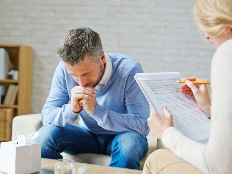 Ministerstwo Pracy: Tylko psycholodzy będą mogli stosować psychoterapię
