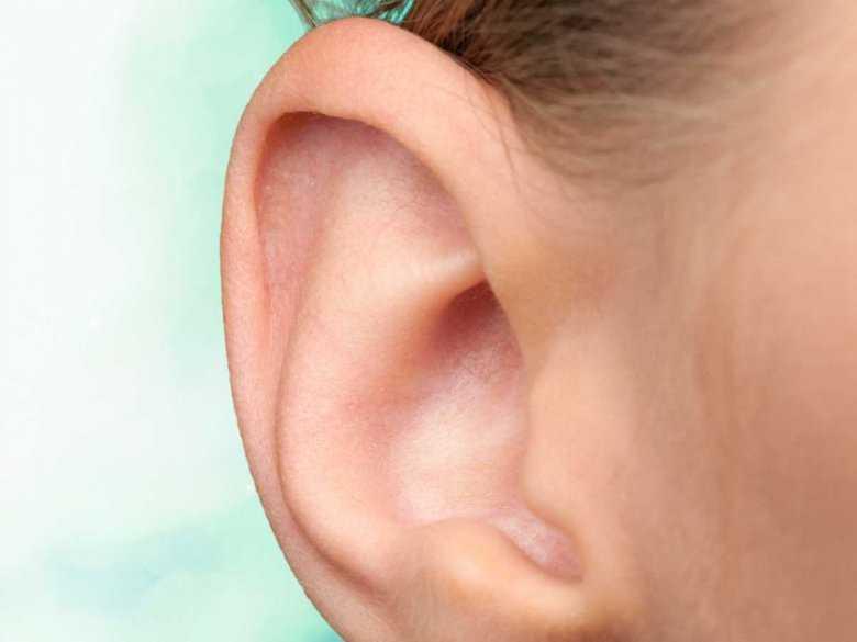Zaczerwienie ucha - jakie są przyczyny tego zjawiska?