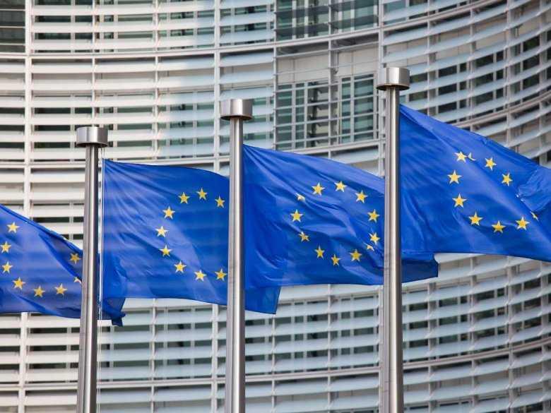 CBOS: Stosunek do członkostwa Polski w UE po rozszerzeniu tej organizacji