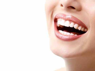 Piękny uśmiech nie zależy tylko od zębów