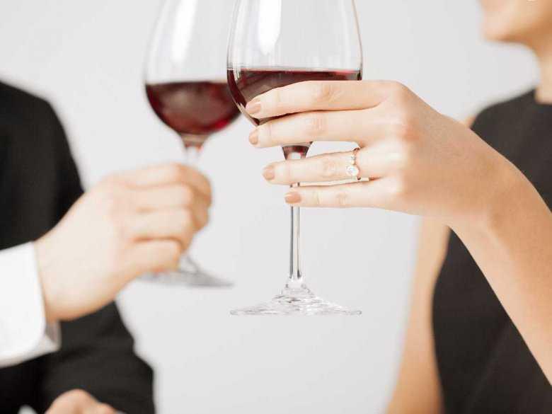 Pozytywne i negatywne aspekty spożywania alkoholu