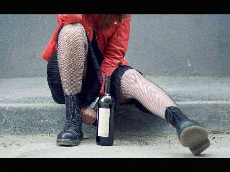 Pijąca nastolatka