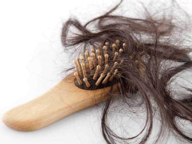 Jak odzyskać włosy po chemio- i radioterapii? Ekspert radzi