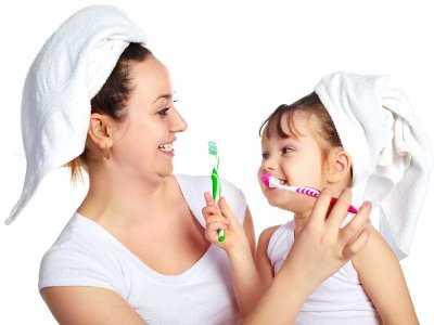 Jak myć pierwsze zęby u dziecka?