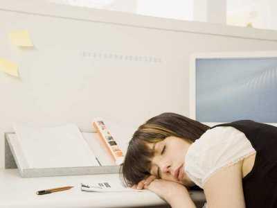 Spanie w ciągu dnia a zagrożenie wystąpienia udaru